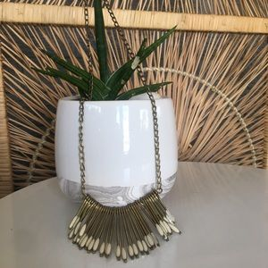 Jewelry - Gold and Creme. Necklace